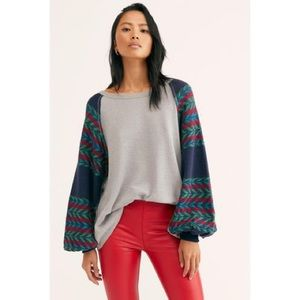 FREE PEOPLE   NWT Long Sleeve Knit Top   M